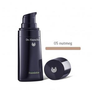Dr. Hauschka FOUNDATION - 05 Nutmeg 30 ml