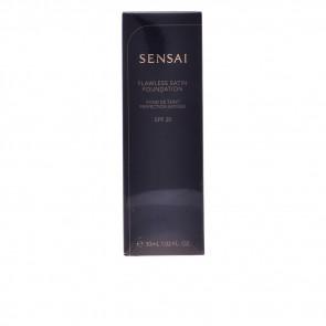 Kanebo SENSAI Flawless Satin Foundation 204.5 Warm Beige 30 ml